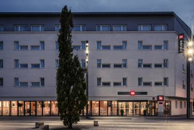 Hotels  -  ibis Marne La Vallée Val d'Europe