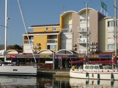 Hotels  -  Hôtel Port Beach