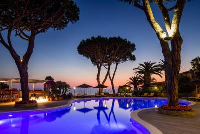 Hotels  -  Baglioni Hotel Cala del Porto - The Leading Hotels of the World