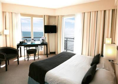 Hotels  -  Best Western Hotel Les Roches Noires