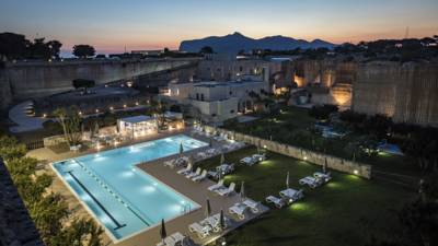 Hotels  -  Cave Bianche Hotel
