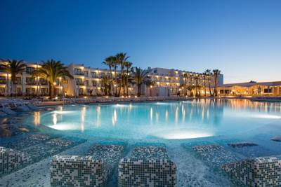 Hotels  -  Grand Palladium White Island Resort & Spa - All Inclusive 24h