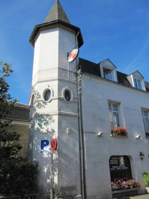 Hotels  -  Hostel Du Roy