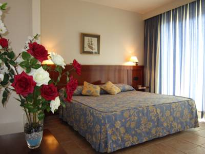 Hotels  -  Hotel Abril