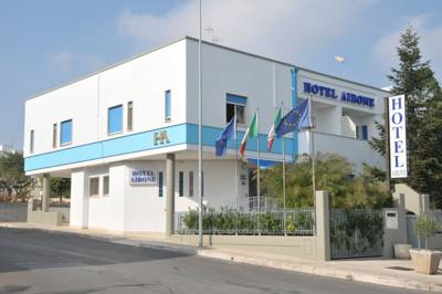 Hotels  -  Hotel Airone