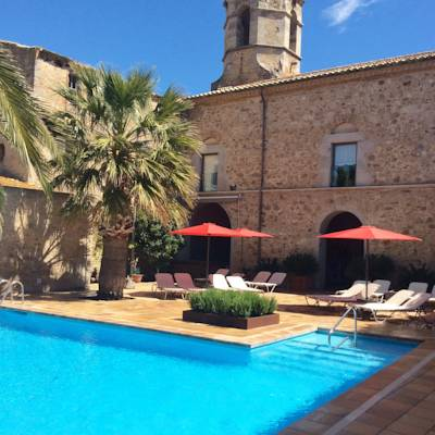 Hotels  -  Hotel Canet