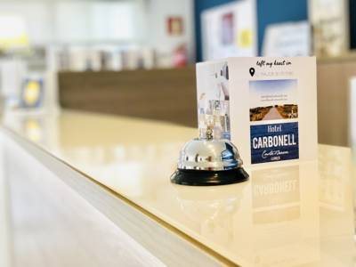 Hotels  -  Hotel Carbonell