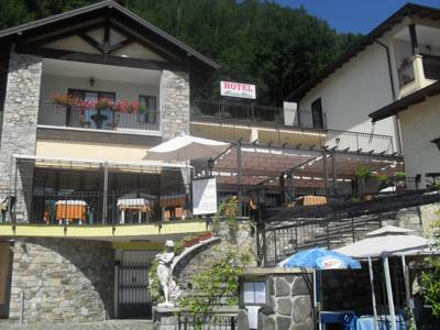 Hotels  -  Hotel Fontaine Bleue