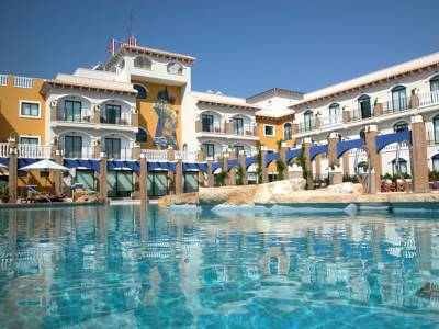 Hotels  -  Hotel La Laguna Spa & Golf