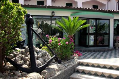 Hotels  -  Hotel Marinella