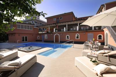Hotels  -  Hotel Monte Rosa