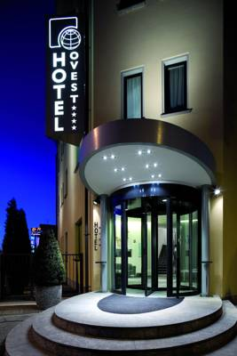 Hotels  -  Hotel Ovest