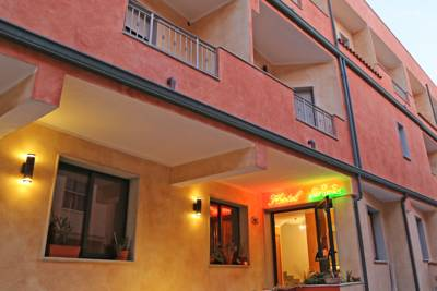 Hotels  -  Hotel Residence Ampurias