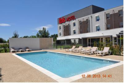 Hotels  -  ibis Istres Trigance