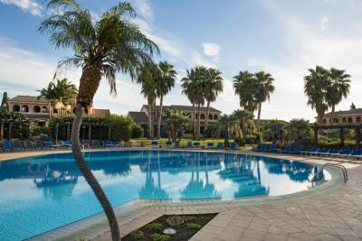 Hotels  -  Lantana Resort Hotel&Apartments