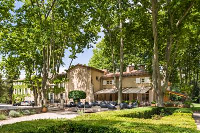 Hotels  -  Le Moulin de Vernègues Hôtel & Spa