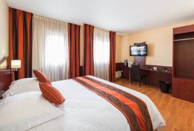 Hotels  -  Logis Hotel Center