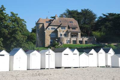 Hotels  -  Manoir Dalmore
