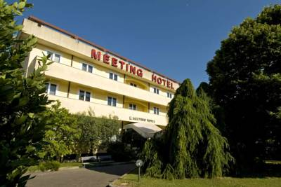 Hotels  -  Meeting Hotel
