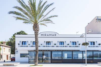 Hotels  -  Miramar Rooms