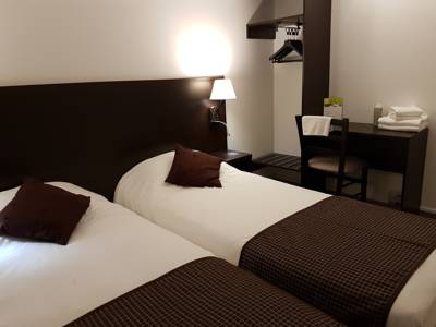 Hotels  -  Nevers Hotel