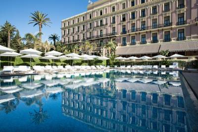 Hotels  -  Royal Riviera