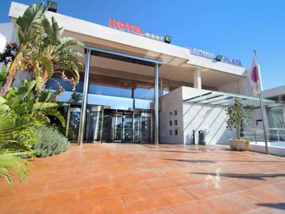 Hotels  -  Servigroup Marina Playa