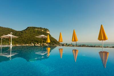 Hotels  -  Sky Pool Hotel Sole Garda
