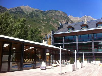 Hotels  -  SOMMOS Hotel Aneto